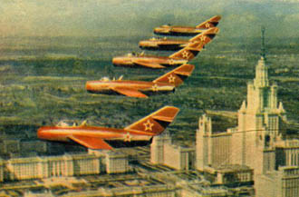 02_Red_5_over_Moscow.jpg